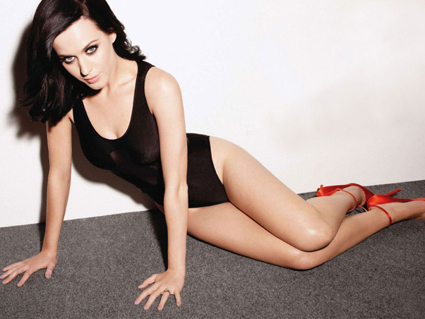 Katy Perry sensual sexy body photo