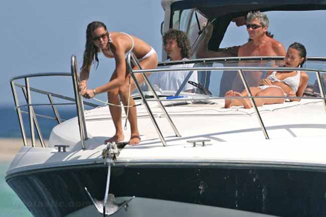Pippa Middleton Topless on a Yacht
